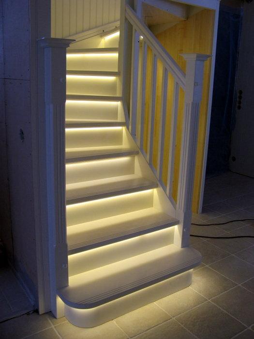Подсветка лестницы своими руками фото